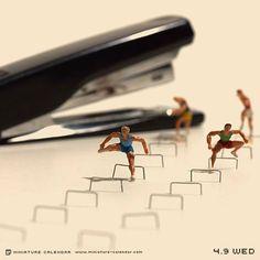 "Japanese artist Tanaka Tatsuya creates miniature diorama for daily calendar since His artwork titled ""miniature calendar"" depicts diorama-style toy people with household items, including food. Miniature Photography, Art Photography, Micro Photography, Corporate Photography, Figure Photography, Photo Macro, Miniature Calendar, Fotografia Macro, Tiny World"