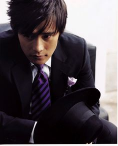 Byung-hun Lee ~ love purple accents with a suit