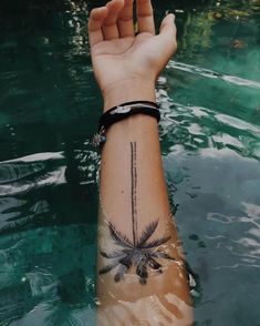 Best palm tree tattoo back of arm 67 ideas - Tropisches Tattoo, Calf Tattoo, Tattoo Blog, Tattoo Forearm, Mini Tattoos, Body Art Tattoos, Tattoos For Guys, Tatoos, Tattoo Sleeve Designs