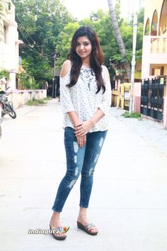 Casual Dresses, Fashion Dresses, Image Model, Tamil Actress Photos, Belted Shirt Dress, India Beauty, Girl Face, Girls Jeans, Everyday Outfits