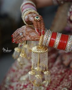Are you looking for some amazing Bridal Chura designs? Here is a beautiful gallery to check trending chura designs. Indian Bridal Outfits, Indian Bridal Fashion, Indian Wedding Jewelry, Indian Weddings, Indian Jewelry, Bridal Bangles, Bridal Jewelry, Chuda Bangles, Kundan Bangles
