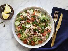Couscous-Salat mit Thunfisch und Tomaten Couscous Salat, Bulgur Salad, Kitchen Queen, Polenta, Pasta Salad, Quinoa, Clean Eating, Food And Drink, Low Carb
