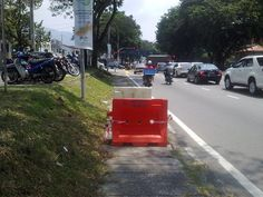 The Huge Walkway Hole at Jalan Masjid Negeri.. cordoned off immediately by MPPP after receiving report