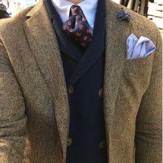 Sweater Vests For Fashionable Protection Blazer En Tweed, Tweed Run, Tan Blazer, Dapper Gentleman, Gentleman Style, Sharp Dressed Man, Well Dressed Men, Style Blog, Men's Style