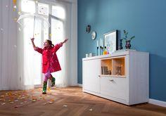 Endlich zuhause - Sideboard: Sibiu lärchenfarbene Kunststoffoberfläche / eichefarbene Kunststoffoberfläche - eine Holztür - zwei offene Fächer - eine Schublade - Produktnummer: 679706-020-20-220