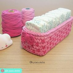 21 Ideas crochet basket oval libraries for 2019 Crochet Storage, Crochet Box, Crochet Basket Pattern, Love Crochet, Crochet Gifts, Crochet Yarn, Crochet Stitches, Crochet Patterns, Crochet Baskets