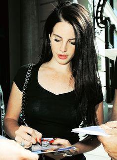 Lana Del Rey  -- @Tessa McDaniel McDaniel McDaniel Wilson this is the color i'm going
