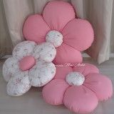You are in the right place about DIY Fabric Flowers rose Here we offer you the most beautiful pictures about the DIY Fabric Flowers small you are looking for. When you examine the part of the picture Bow Pillows, Cute Pillows, Sewing Pillows, Pillow Crafts, Fabric Crafts, Sewing Crafts, Sewing Projects, Diy Home Crafts, Baby Crafts
