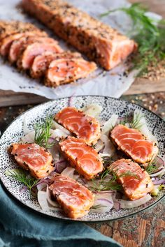 Fish Dishes, Seafood Dishes, Fish And Seafood, Luxury Food, Food Tasting, Asian Cooking, Antipasto, Food Pictures, Tapas