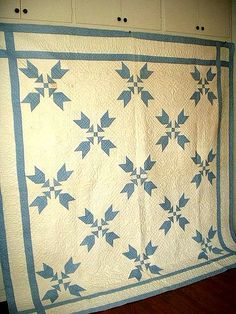 Antique Vintage c1900 blue & white quilt  Unused and never laundered blue and white quilt from the early 1900's. Wonderful pattern & great condition