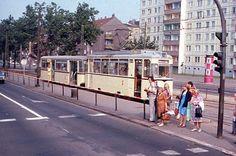 Berlin, Dimitroffstraße Ecke Leninallee, Straßenbahn Linie 13