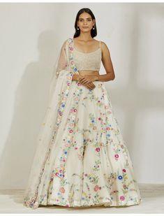 Indian Attire, Indian Wear, Ethnic Fashion, Women's Fashion, Heavy Lehenga, Hand Clipart, Lehenga Collection, Lahenga, Indian Designer Wear