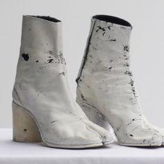 martin margiela tabi boots 1990