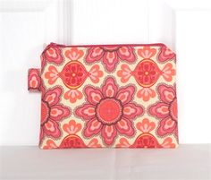 Pink Petal Foliage Medium Zippered Pouch