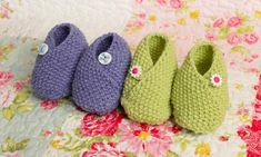 Deramores baby slippers Free pattern here: http://www.guardian.co.uk/lifeandstyle/2013/mar/28/knitting-pattern-baby-shoes-project