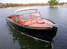 Chris Craft 29' Sportsman twin engine classic boat