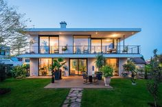 บ้านโฮมออฟฟิศ ชั้นล่างทำงาน ชั้นบนอาศัย « บ้านไอเดีย แบบบ้าน ตกแต่งบ้าน เว็บไซต์เพื่อบ้านคุณ