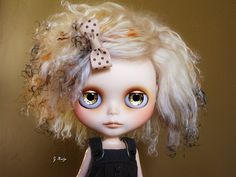 Golden girl, interview with G♥Baby custom Blythe doll artist.