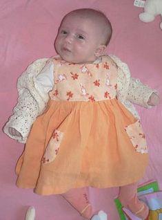 Une robe sans manche (Tutoriel, taille 3 mois)