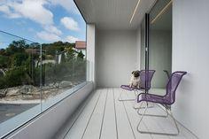 Singelfamily house Built: 2015 Architect: Marita Hamre Cladding and terrace: Accoya Architect House, House Built, Outdoor Furniture, Outdoor Decor, Cladding, Sun Lounger, Terrace, Interior Design, Building