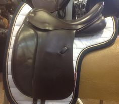 Very comfortable dressage saddle from Farrington.