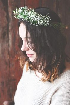 Make an affordable (and gorgeous) baby's breath and clover crown with this tutorial from @poppytalk. #DIY #weddings