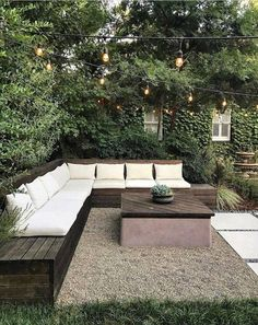 backyard design ideas worth recreating this spring Outdoor furniture can be expensive — built-in seating is a cheaper alternative.Outdoor furniture can be expensive — built-in seating is a cheaper alternative. Patio Design, Garden Design, Backyard Designs, Modern Backyard Design, Outdoor Fire, Outdoor Decor, Outdoor Furniture, Rustic Furniture, Antique Furniture