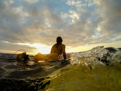 Alison Teal, enjoying the last few moments of a stunning day in Kona. Taken on a GoPro. Underwater Photography, Photography Photos, Valencia, Summer Surf, Happy Summer, Surf Movies, Barcelona, Soul Surfer, Summer Romance