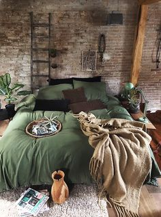 his cosy bedroom is looking lush with green. Loveeee Image by his cosy bedroom is looking lush with green. Loveeee Image by Dream Rooms, Dream Bedroom, Home Bedroom, Bedroom Ideas, Design Bedroom, Modern Bedroom, Bedroom Furniture, Bedroom Interiors, Bedroom Inspo