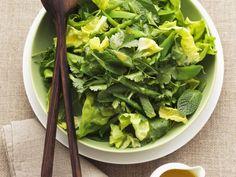 Blattsalat mit Kräutern und Orangendressing ist ein Rezept mit frischen Zutaten aus der Kategorie Gemüsesalat. Probieren Sie dieses und weitere Rezepte von EAT SMARTER!