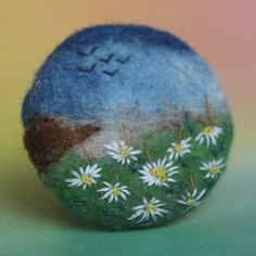 """Brož \""""Na kopretinové louce\"""" Embroidery, embroidered button, coated, Brussels, romance, romance, ancient, button, meadow blossom, landscape, meadow, nature, landscape, monet, daisy, felting and embroidery"""