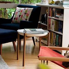 A living room with a mid-century feel. Tablo tray table by Magnus Löfgren for Design House Stockholm.