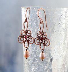 copper earrings, copper jewelry, wirewrapped, copper wire wrap, boho earrings, garnet earrings, freshwater pearls, pearl earrings, pearl jewelry, romantic earrings, lavender earrings, sea style earrings, lavender pearl