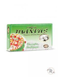 Confetti Maxtris Cassata siciliana. Questi confetti Maxtris Cassata Siciliana hanno al loro interno una mandorla tostata avvolta da uno strato di cioccolato cassata siciliana ricoperta da un sottile strato di zucchero. Confezioni da 1 kg. Colore: bianco. Noi di Martha's Cottage siamo rivenditori autorizzati Maxtris. #confettata #confetti #matrimonio #weddingday #ricevimento #maxtris #wedding #sconti