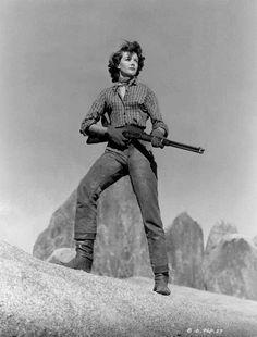 FIVE GUNS WEST (1954) - Dorothy Malone