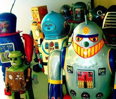 We hate Trump and his whole family too. We have rayguns and know how to use them (Russian made of course, they work well, we know this, how? Vintage Robots, Retro Robot, Vintage Toys, Metal Toys, Tin Toys, Marble Toys, Cool Robots, Space Toys, Vintage Space
