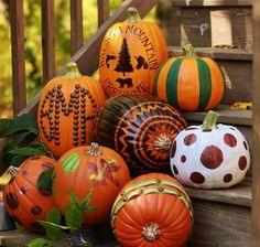 Love these painted pumpkins! So great for all of fall, not just Halloween Fall Pumpkins, Halloween Pumpkins, Halloween Crafts, Carving Pumpkins, Halloween Clothes, Halloween Images, Costume Halloween, Pumpkin Carving, Halloween Party
