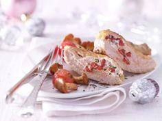 Perlhuhnbrust mit Goji-Beeren und Tomaten-Pilz-Gemüse: feines Festgeflügel mit ungewöhnlicher Füllung. Weihnachten kann kommen!