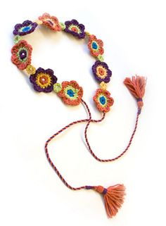 Posy Belt: free pattern--after you jump through a few hoops (belt, neck decor, package decoration . Crochet Belt, Crochet Diy, Love Crochet, Crochet Flowers, Crochet Necklace, Hippie Crochet, Lion Brand Patterns, Crochet Capas, Diy Accessories
