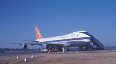 Pretoria Image: South African Airways Boeing 747 at Jan Smuts Airport, Johannesburg, South Africa. Boeing Aircraft, Passenger Aircraft, Johannesburg Airport, John Ward, Vintage Air, Pretoria, The Old Days, South Africa, African