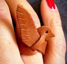 Fågelring i läder