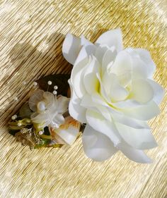 Beach Wedding Gardenia Hair clip - Fascinator - Headpiece with Seashells, Pearls and Tropical Greenery