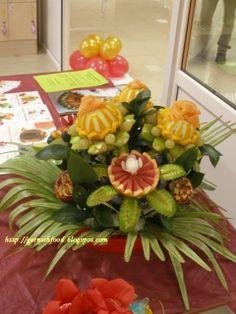 fruit and vegetable  flora arrangements | Fruit Carving Arrangements and Food Garnishes: Fruit adn Vegetable ...