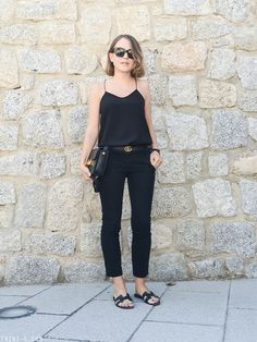 Exceptional The right way to Put on the Well-known Gucci Belt Summer Outfits, Casual Outfits, Fashion Outfits, Fashion Ideas, Black Sandals Outfit, Hermes Belt Outfit, Hermes Oran Sandals, Olive Green Cargo Pants, Black Cropped Pants