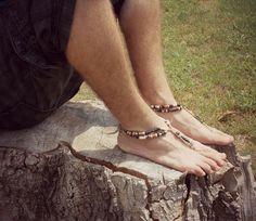 Barefoot Sandals Men handmade shoes por DestinationBarefoot