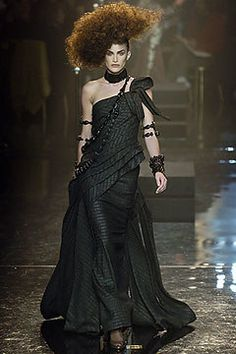 Jean Paul Gaultier Spring 2005 Couture Fashion Show - Madelaine Hjört (CITY)