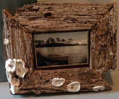 driftwood picture frames and lamps, diy, repurposing upcycling Driftwood Furniture, Cute Furniture, Driftwood Projects, Furniture Makeover, Furniture Ideas, Furniture Design, Unique Picture Frames, Picture On Wood, Cadre Photo Diy