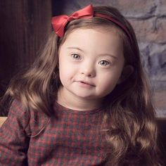 With her intensely expressive face and gray-blue eyes, it's easy to see why Francesca Rausi captured the hearts and eyes of viewers everywhere. Beautiful Images, Beautiful People, Down Syndrome People, Hand Embroidery Art, Kids Around The World, Isnt She Lovely, Life Learning, Baby Up, Precious Children