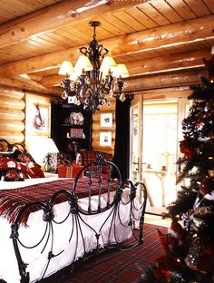 Christmas bedroom with tartan elements. House Design, Home And Living, Relaxation Room, Holiday Home, Home, Home Design Decor, Dreamy Bedrooms, Christmas Bedroom, Home Decor