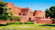 Agra tour package covers the major tourist places of the city including magnificent Taj Mahal, extensive Agra Fort, Fatehpur Sikri and more.